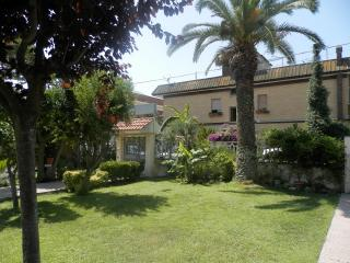 Nice 6 bedroom Bed and Breakfast in Fiumicino - Fiumicino vacation rentals