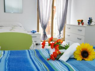 Romantic 1 bedroom Townhouse in Province of Trapani - Province of Trapani vacation rentals