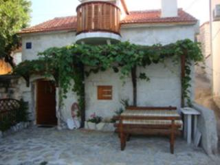 Romantic 1 bedroom House in Seget Vranjica - Seget Vranjica vacation rentals