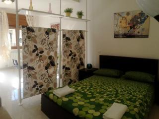 Bright 2 bedroom Oriago di Mira Condo with Internet Access - Oriago di Mira vacation rentals
