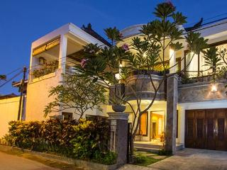 Villa Indah Lagi - Walk to beach, cafes and spas! - Sanur vacation rentals