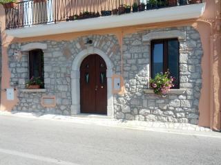 Casa Vacanza nel Parco del Cilento e vallo di Dian - San Rufo vacation rentals