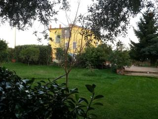 Il mio casale giallo / My yellow farmhouse - San Mango Piemonte vacation rentals