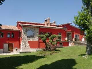 Cozy 3 bedroom Montefiascone Villa with Internet Access - Montefiascone vacation rentals