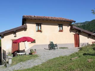 Nice 2 bedroom Condo in Vergemoli with Internet Access - Vergemoli vacation rentals
