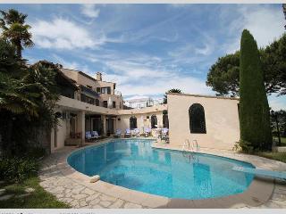 Villa Le Lagon - Mandelieu La Napoule vacation rentals