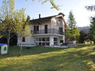 Cozy Acquasanta Terme Bed and Breakfast rental with Hot Tub - Acquasanta Terme vacation rentals