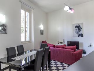 Testaccio 4 bedrooms apartment - Rome vacation rentals