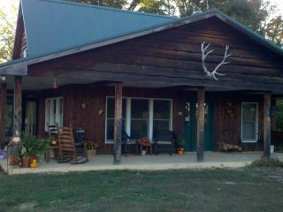 Croys Cabins  Tennessee Hunting and Fishing lodge - Rogersville vacation rentals