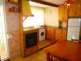 Nice Condo with Dishwasher and Central Heating - Caravaca de la Cruz vacation rentals