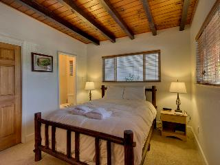 Cozy home with hot tub, fireplace and full deck with grill - Bijou Acres Home - South Lake Tahoe vacation rentals