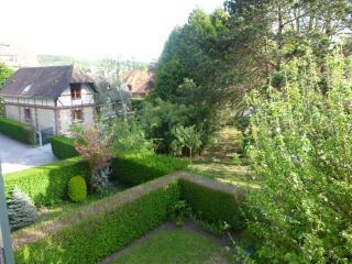 2 pièces-loggia Houlgate (14) - Angerville-la-Martel vacation rentals