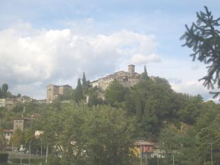 Casa Vacanze Mariasole in borgo Medievale - Pescia vacation rentals