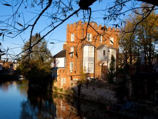 City centre studios in historic Oxford house - Oxford vacation rentals