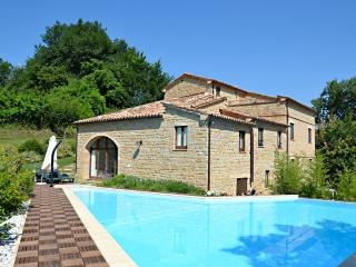 Casale di Gualdo fantastica casa con area relax - Gualdo vacation rentals