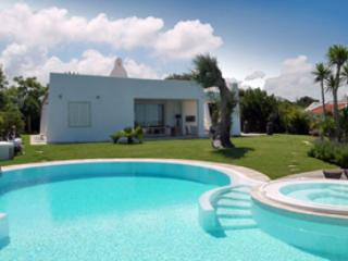 7 bedroom Villa in Rosa Marina, Puglia, Apulia And Basilicata, Italy : ref 2230530 - Rosa Marina vacation rentals