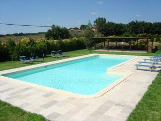Nice Farmhouse Barn with Satellite Or Cable TV and Microwave - San Biagio della Valle vacation rentals