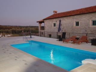 3 bedroom Villa with Internet Access in Sveti Lovrec - Sveti Lovrec vacation rentals