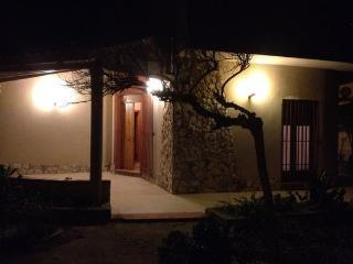 Bright 3 bedroom Villa in Scoglitti with Television - Scoglitti vacation rentals