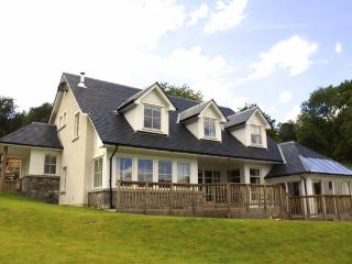 GRIANAN, Beautiful 5 bedroomed bespoke house - Lochearnhead vacation rentals