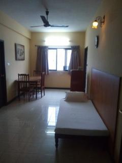 Angson Apartment-Greams Road-1 BHK Apartment - Chennai (Madras) vacation rentals