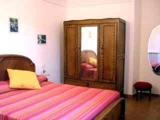 Bright 2 bedroom Vacation Rental in Borgomaro - Borgomaro vacation rentals