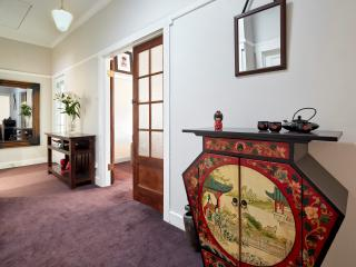 Family friendly/secure/wifi/beach - St Kilda vacation rentals