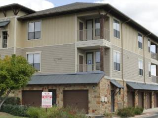 Beautifully Decorated and Updated 2 bdr condo at The Hollows - Jonestown vacation rentals