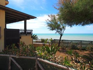 Terrazza a Mare - Marina di Ragusa vacation rentals
