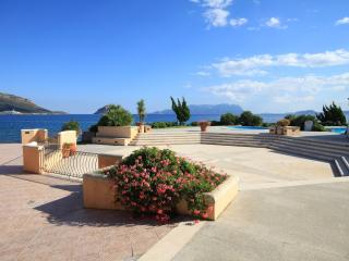 S'Abba e Sa Pedra Big Apartment with shared p - Golfo Aranci vacation rentals