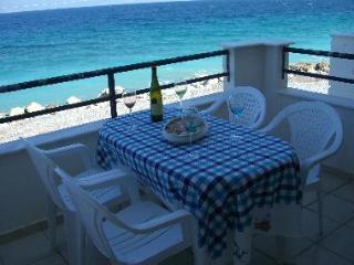 Holiday House at the edge of the sea. - Xylokastro vacation rentals