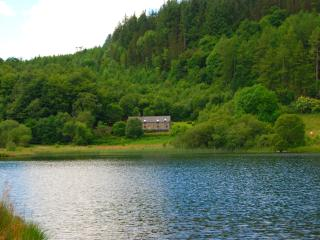 Ty Newydd, Luxury on the lake, stunning views. - Conwy vacation rentals