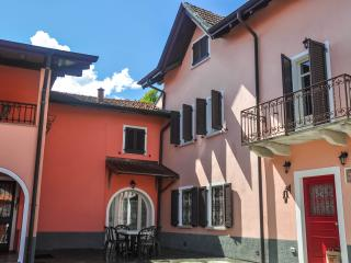 Nice House with Internet Access and Dishwasher - Stresa vacation rentals