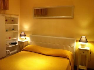 Studio Loft Room & Breakfast - Catanzaro Lido vacation rentals