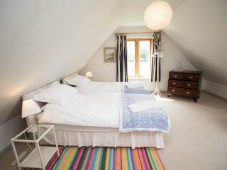 Comfortable 1 bedroom Glastonbury Condo with Internet Access - Glastonbury vacation rentals