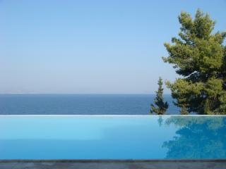VILLA (1) VUES SPLENDIDES, PISCINE, Xiropigado - Xiropigado vacation rentals
