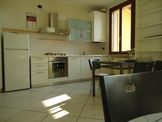 Nice Condo with A/C and Satellite Or Cable TV - Montichiari vacation rentals