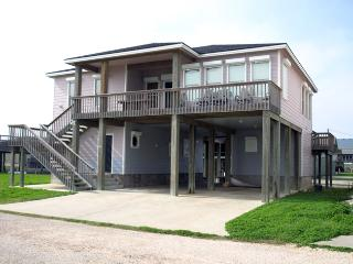 Convenient Port O Connor House rental with Balcony - Port O Connor vacation rentals