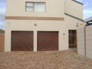 Gorgeous House with Internet Access and Dishwasher - Milnerton vacation rentals