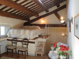 Luxury Studio Apartment - Split level in a prestige antique setting - San Ginesio vacation rentals