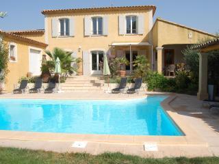 """""""Villa Marguerite"""" by PROVENCE PARADISE - Saint-Remy-de-Provence vacation rentals"""
