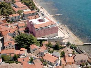 Private suites Novigrad 8245 1-room-suite - Novigrad vacation rentals