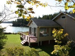 2 bedroom House with Internet Access in Deer Isle - Deer Isle vacation rentals
