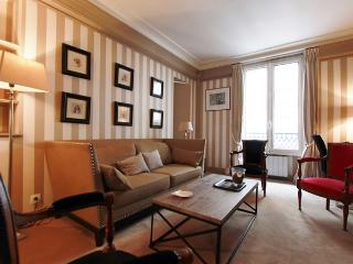Relais Grenelle, Elegant Flat in the 7th , near rue du bac ! - Paris vacation rentals
