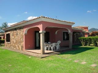 2 TRAMONTANA - San Teodoro vacation rentals