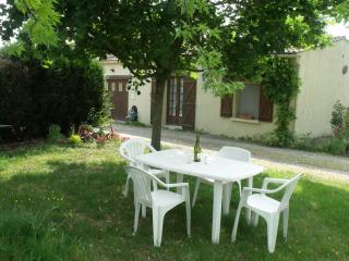 LE GRAND BOIS Tranquil yet well placed to explore - Parthenay vacation rentals