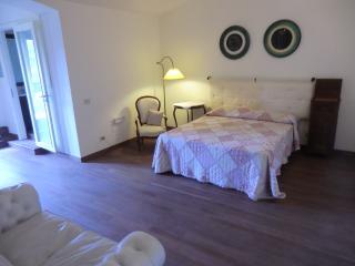 Villa con Jacuzzi vicino Salerno, Pompei, Paestum - Baronissi vacation rentals