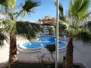 Charming 2 bedroom Punta Prima Apartment with Garden - Punta Prima vacation rentals