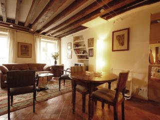 1 bedroom House with Internet Access in Paris - Paris vacation rentals