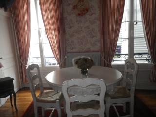Adorable 1 bedroom Vacation Rental in Eure-et-Loir - Eure-et-Loir vacation rentals